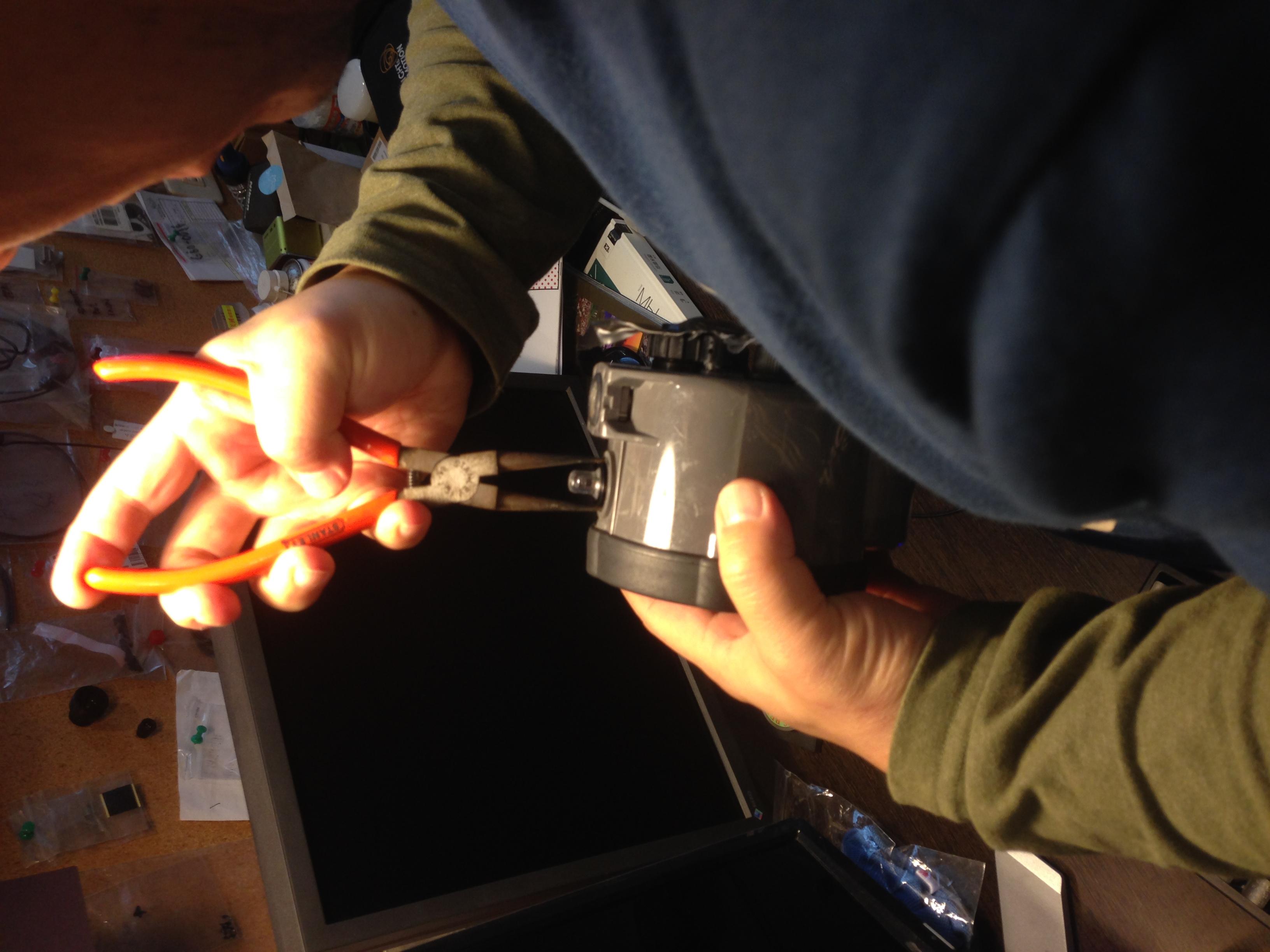 INON Z-240 光訊號觸發感應器蓋子斷裂