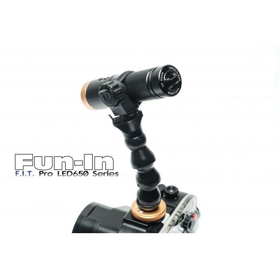 F.I.T. LED650W 與 熱靴蛇腹燈臂組 (散光)